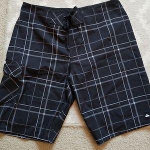 Quiksilver Plaid board shorts 34